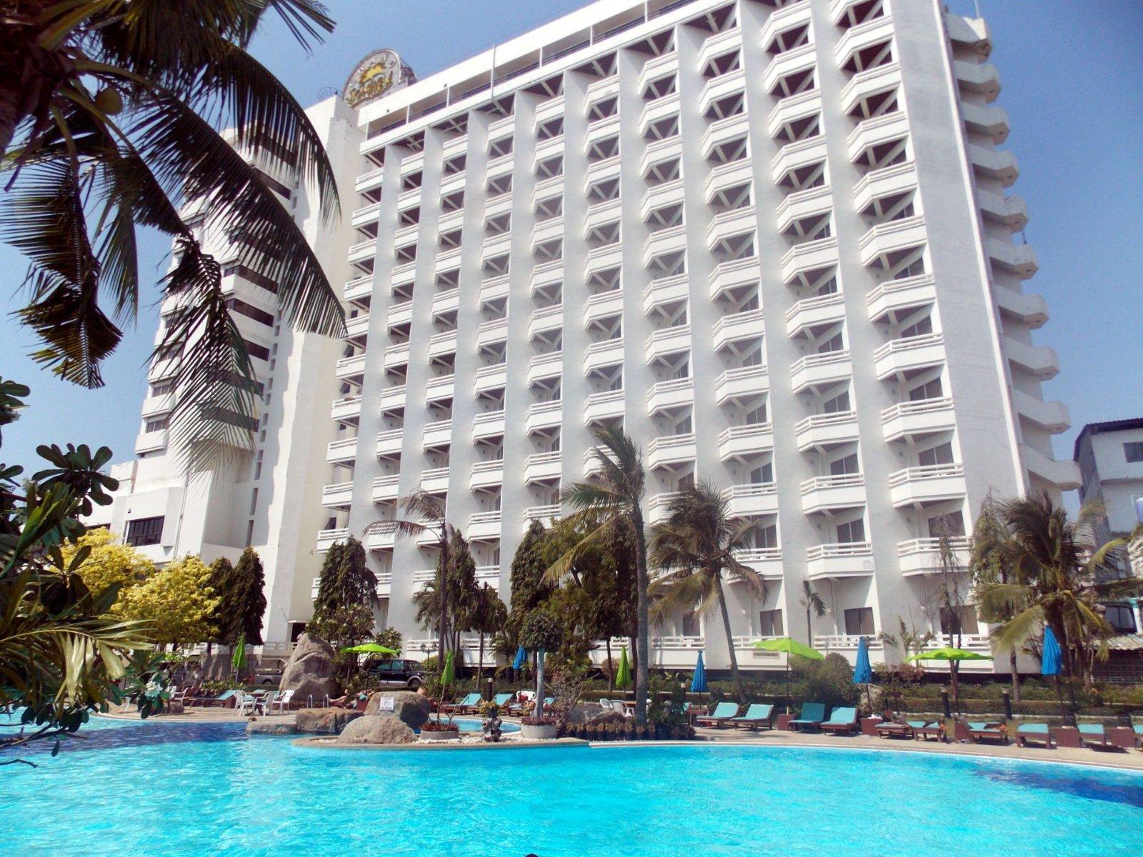 Отель гранд джомтьен палас