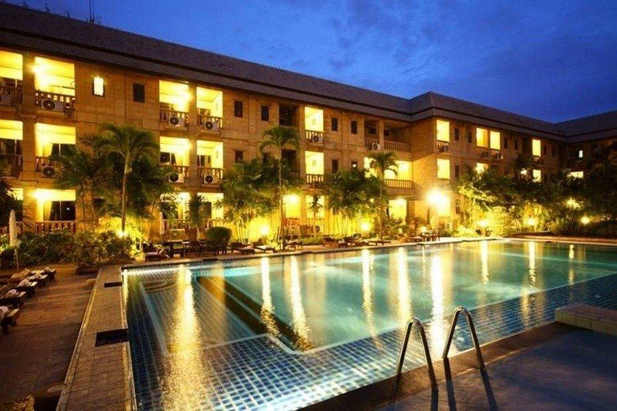 Отель Плюмерия в Паттайе