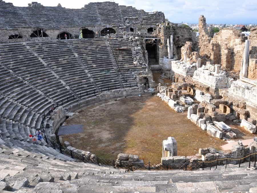 театр в Сиде