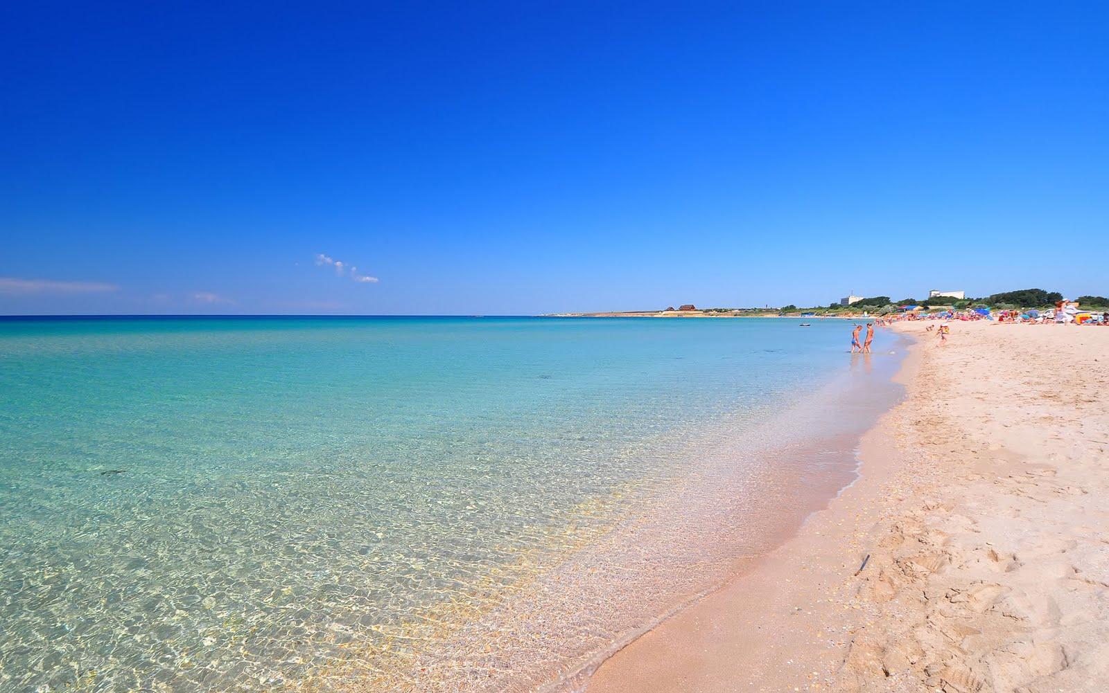Белый пляж в Оленевке Крым