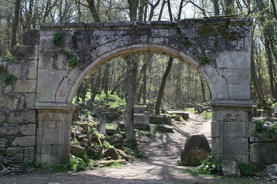 караимское кладбище чуфут кале крым