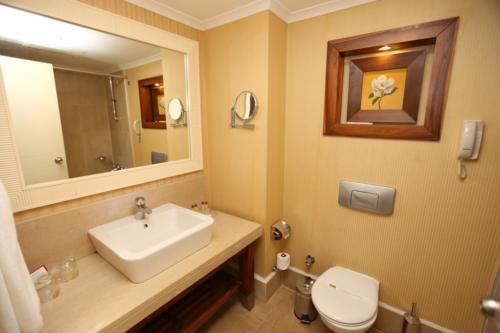 Ванная комната отеля Meder Resort 5*