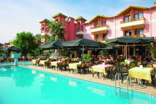 Отель Сигал бассейн