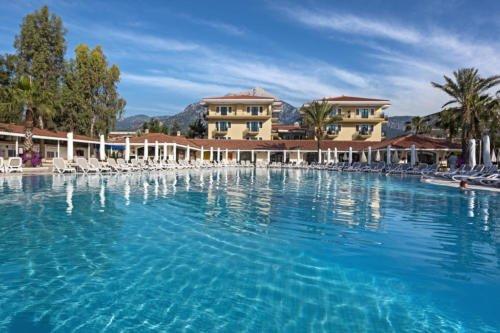 Бассейн отеля Club Hotel Phaselis Rose 5*