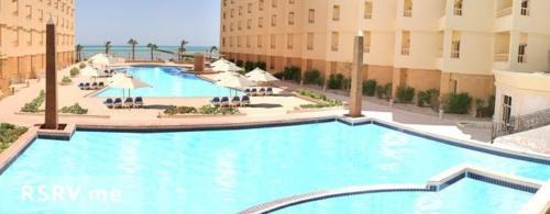 Бассейн отеля AMC Royal Hotel & Spa 5*