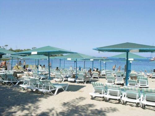 Пляж отеля Meder Resort 5*