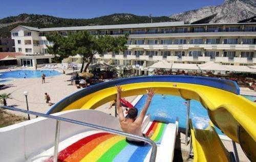 Бассейн отеля Club Marakesh Beach Hotel
