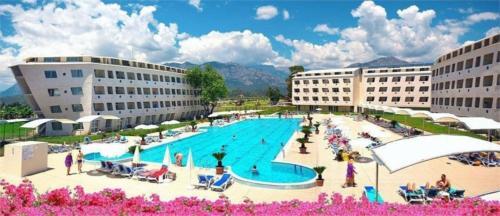 Бассейн отеля Daima Biz Resort 5*