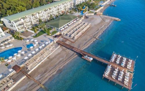 Пляж отеля Grand Park Kemer 5*