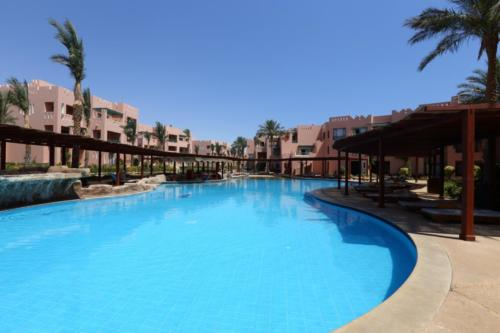 Бассейн отеля Rehana Sharm Resort4*