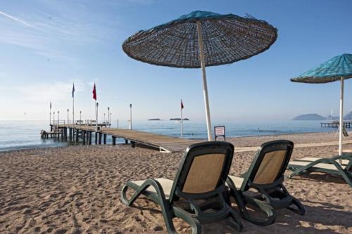 Пляж отеля Club Hotel Phaselis Rose 5*