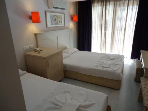 Номер отеля Larissa mare beach 4*