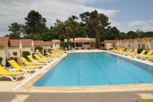 Бассейн отеля Imeros Hotel 3*