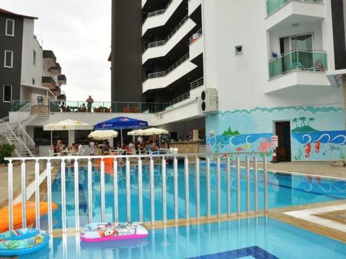 Acar Hotel бассейн