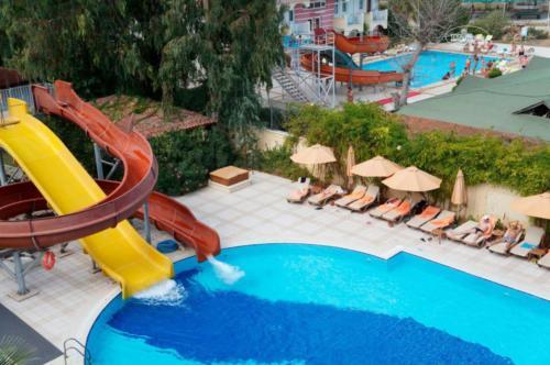 Akka Claros Hotel 4* детский бассейн
