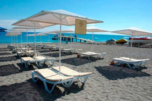 Akka Claros Hotel 4* пляж