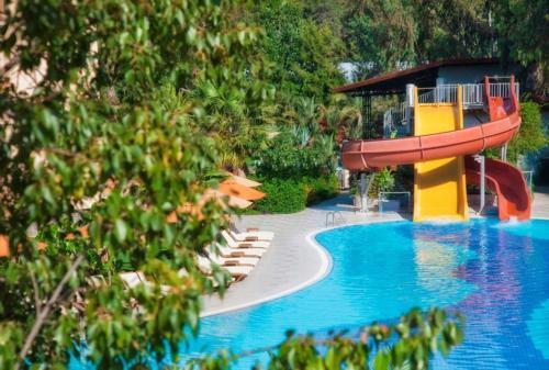 Akka Claros Hotel 4* водные горки