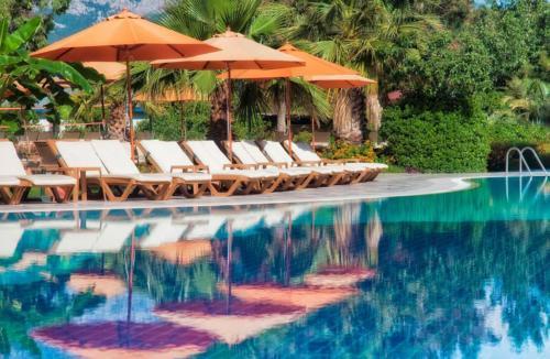 Akka Claros Hotel 4* бассейн