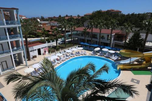Anita Dream Hotel бассейн