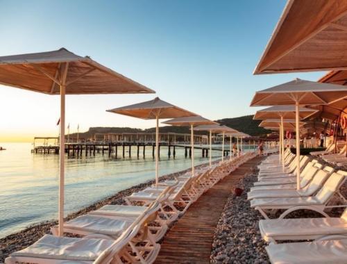Пляж отеля Astoria Hotel 4*