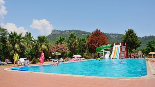 Aura Resort hotel водные горки