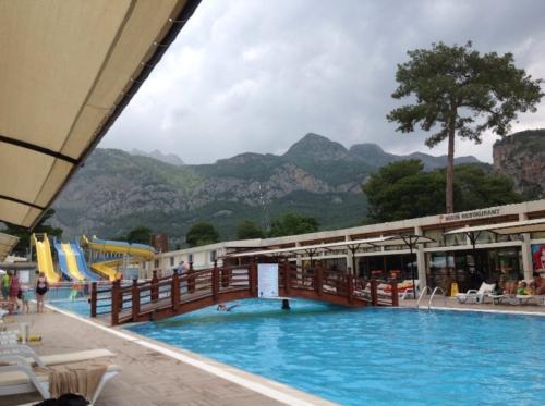 Бассейн отеля Club Hotel belpinar 4*