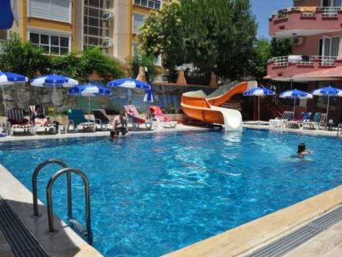 Bariscan Hotel бассейн