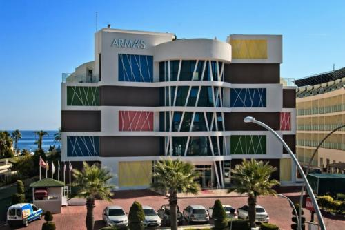 Armas Beach Hotel 4*