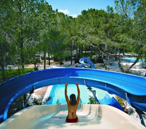 Champion Holiday Village водные горки