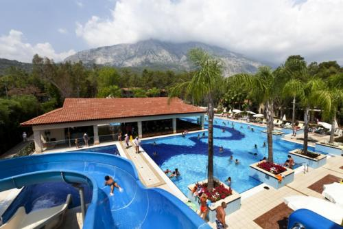 Champion Holiday Village аквапарк
