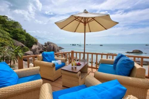 Crystal Bay Beach Resort терраса