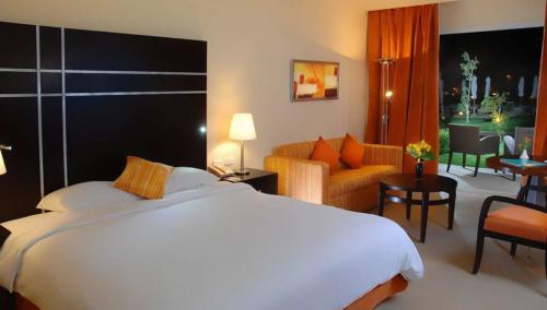 Номер отеля  Hilton Sharks Bay Resort 4*