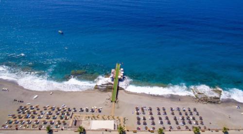 First Class Hotel пляж