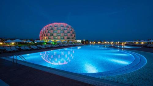 Голд Исланд отель бассейн