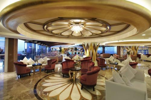 Отель Гранада Лакшери 5* холл
