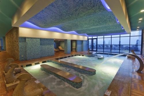 Отель Гранада Лакшери 5* бассейн
