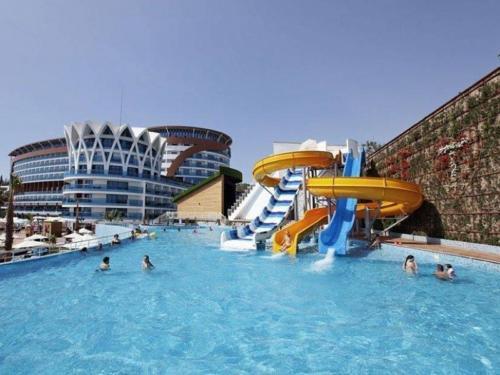 Отель Гранада Лакшери 5* аквапарк