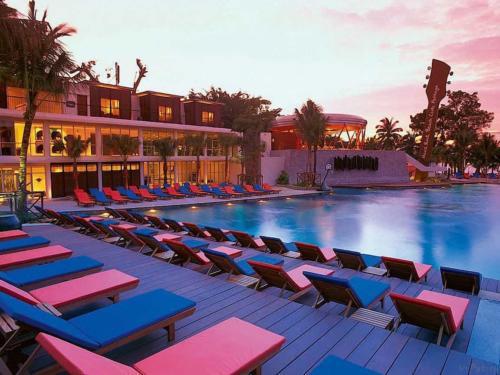 Hard Rock Pattaya Hotel бассейн