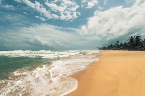 Пляж Хиккадувы Шри Ланка