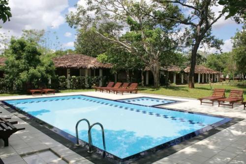 Hotel Sigiriya бассейн