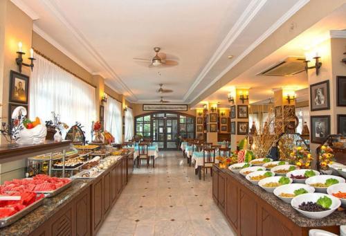Ресторан отеля Sinatra Hotel 4*