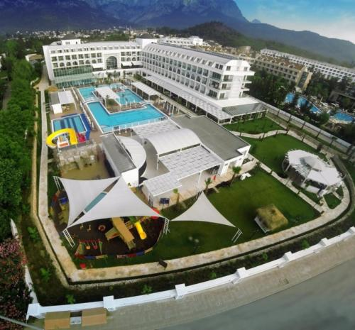 Karmir Resort & Spa 5*