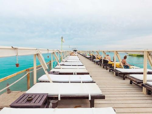 Пляж отеля Elysees Dream Beach Hotel 4*