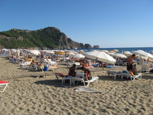 Клеопатра Реми Хотел пляж