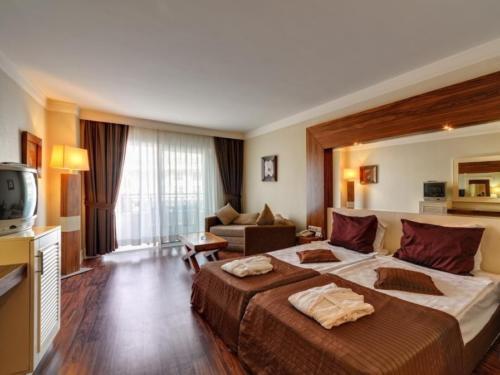 Номер отеля Meder Resort 5*
