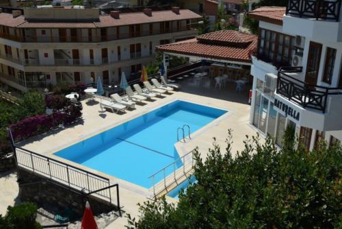 Naturella Hotel & Apart бассейн