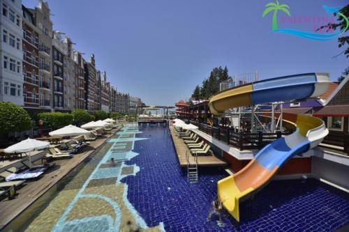 Бассейн отеля Orange County Resort Kemer 5*