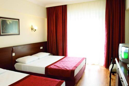 Номер отеля Astoria Hotel 4*