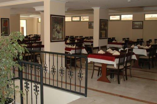 Astoria Hotel 4*