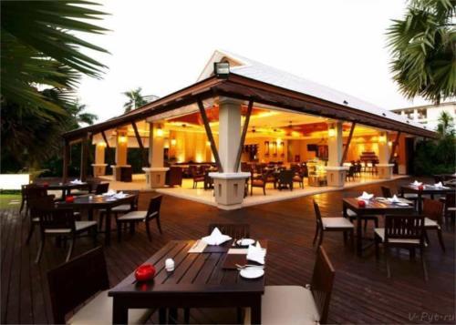 Ресторан отеля Равиндра 4* Паттайя